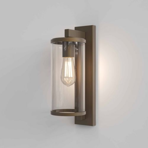 Astro 1413002 Pimlico 400 Outdoor Single Wall Light Bronze Frame