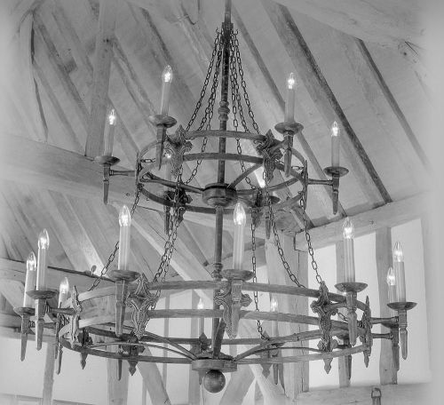 Impex SMRR01318/A Baronial 18lt Aged Iron Chandelier